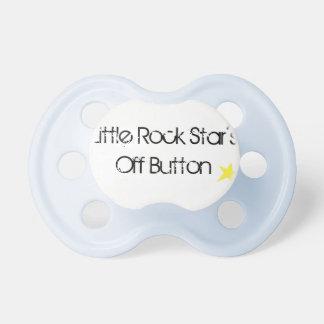 """Botão de """"OFF"""" da estrela de Little Rock Chupeta"""