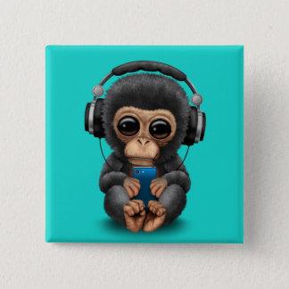Bóton Quadrado 5.08cm Chimpanzé do bebê com fones de ouvido e telemóvel