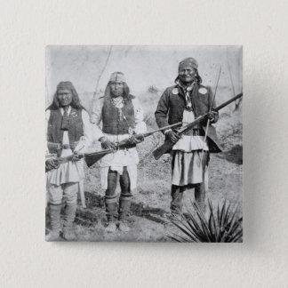 Bóton Quadrado 5.08cm Geronimo e três de seus guerreiros de Apache, 1886