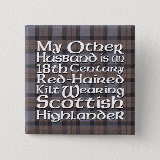 Bóton Quadrado 5.08cm Meu outro marido - escocês
