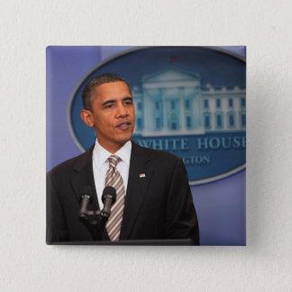 Bóton Quadrado 5.08cm O presidente Barack Obama faz um anúncio