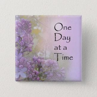 Bóton Quadrado 5.08cm Um dia de Lilacs de cada vez