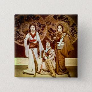 Bóton Quadrado 5.08cm Um trio da gueixa japonesa no 芸者 velho do vintage