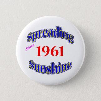 Bóton Redondo 5.08cm 1961 luzes do sol de espalhamento