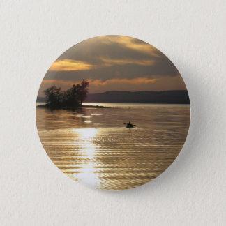 Bóton Redondo 5.08cm Caiaque solitário no lago