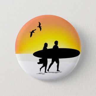 Bóton Redondo 5.08cm Casal do surf no botão traseiro do Pin do por do
