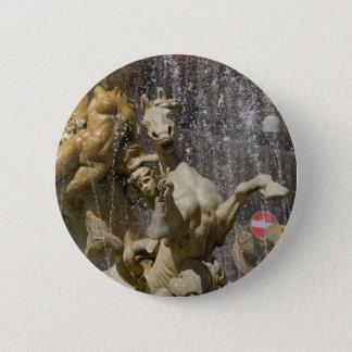 Bóton Redondo 5.08cm Detalhe de d'Artemide de Fontana, Ortigia
