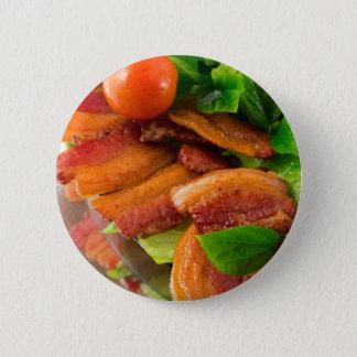 Bóton Redondo 5.08cm Detalhe de uma placa do tomate fritado do bacon e