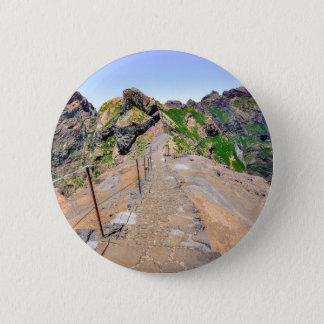 Bóton Redondo 5.08cm Fuga de caminhada acima nas montanhas em Madeira
