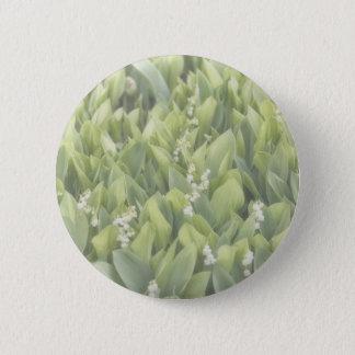 Bóton Redondo 5.08cm Lírio do remendo da flor do vale na névoa