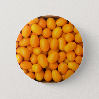 Bóton Redondo 5.08cm Montão de kumquats alaranjados na caixa de cartão