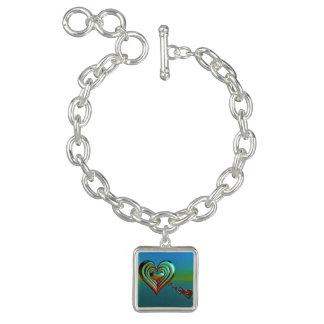 Bracelete Com Pingente Corações muito ao alto