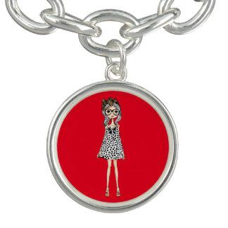 Bracelete Com Pingente Menina inábil bonito em seu vestido das bolinhas