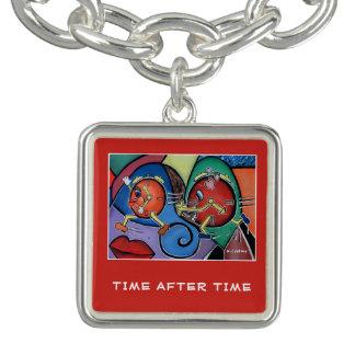 Braceletes Com Charm Por muitas vezes seguidas - partes do tempo