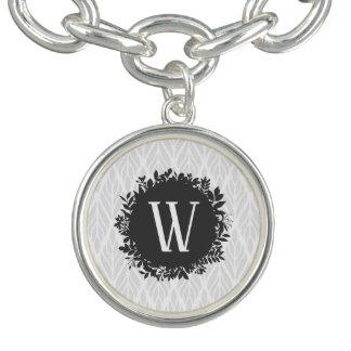 Braceletes Com Pingente Luz - monograma frondoso do cinza e o branco do