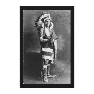Braço forte de chefe indiano do nativo americano