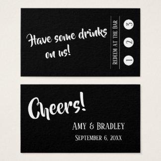 Branco em cartões pretos, modernos do bilhete da