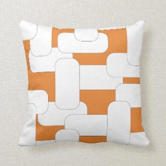 Branco ligado & laranja almofada