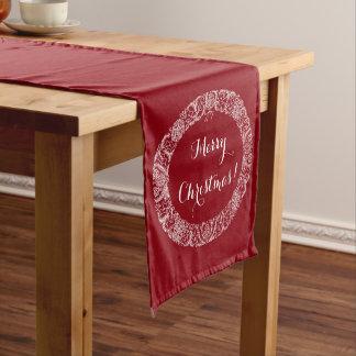 Branco na grinalda vermelho escuro do Natal a Caminho De Mesa Pequeno