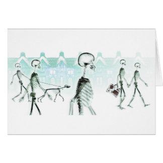 Branco negativo do Stroll da tarde dos esqueletos  Cartão Comemorativo