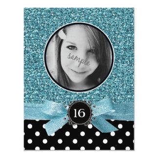 Brilho azul e de foto de BW Polkadots doce 16 Convite Personalizado
