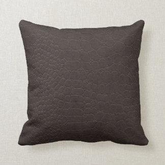 Brown de couro travesseiros
