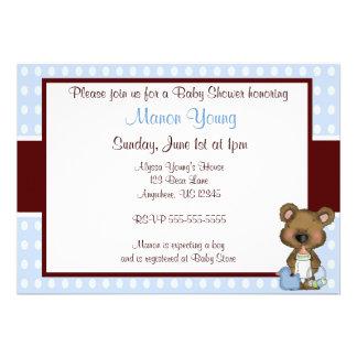 Brown e convite azul do chá de fraldas do urso do
