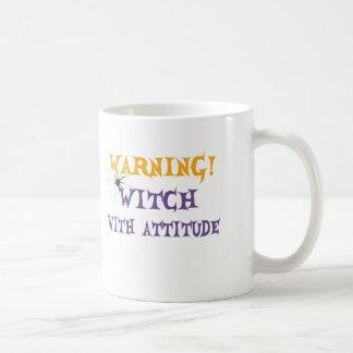 Bruxa com atitude caneca de café