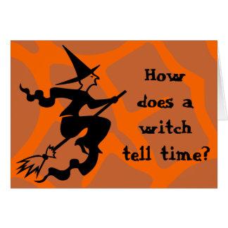 Bruxa do Dia das Bruxas do crivo Cartão Comemorativo