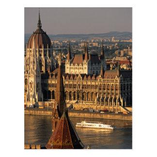 Budapest, Hungria, Danube River, o parlamento Cartão Postal