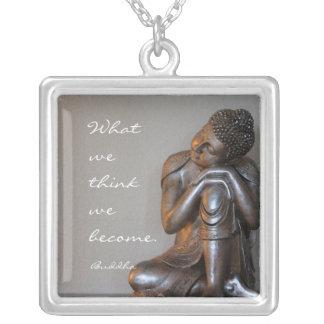 Buddha de prata calmo com palavras da sabedoria colar banhado a prata