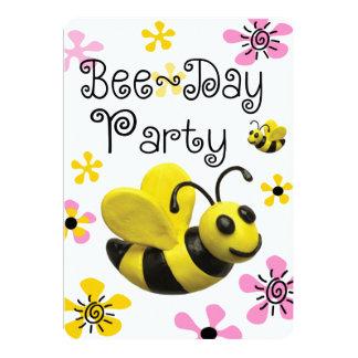 Bumble a festa de aniversário da abelha convites personalizado