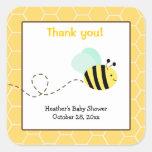Bumble etiquetas quadradas do favor da abelha adesivo