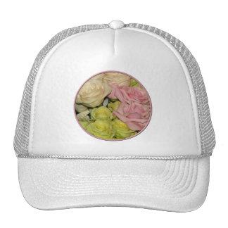Buquê de rosas cor-de-rosa amarelos do pêssego bones
