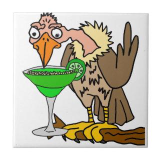 Buzzard ou abutre engraçado que bebem Margarita