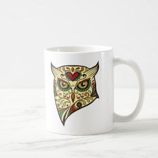 Cabeça da coruja do crânio do açúcar caneca de café