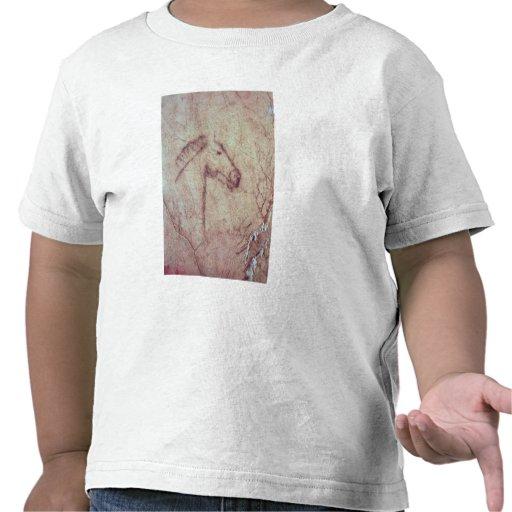 Cabeça de um cavalo, do Cueva de la Pena T-shirts