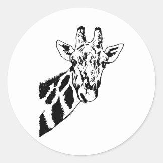 Cabeça do girafa do esboço adesivo redondo