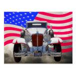 Cabriolet de 1929 cabos 6-29 e bandeira americana cartão postal
