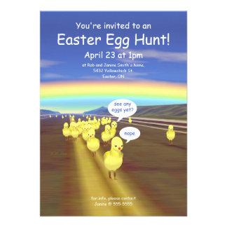 Caça amarela do ovo da páscoa da estrada do pintin convites personalizado