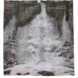 Cachoeira congelada da garganta cortina para chuveiro