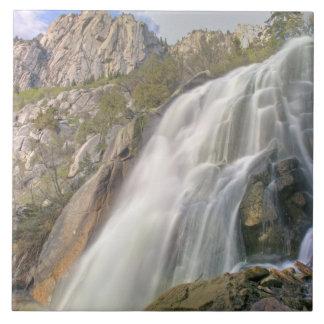 Cachoeira da garganta de Bels, região selvagem