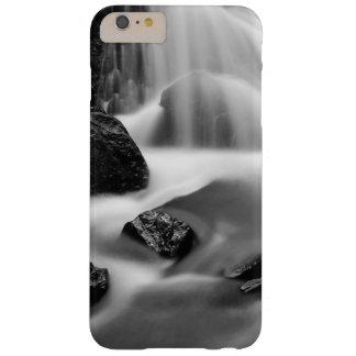 Cachoeira de B&W, Califórnia Capas iPhone 6 Plus Barely There
