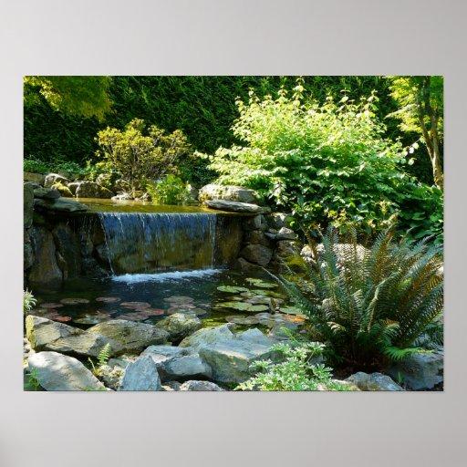 jardim fundo quintal : jardim fundo quintal:Cachoeira do jardim do quintal posters