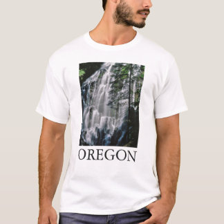 Cachoeira na floresta, Oregon Camiseta