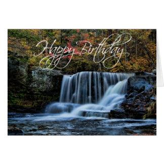 Cachoeira no cartão do feliz aniversario do outono