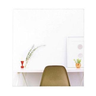Cadeira minimalista da mesa de bloco de notas