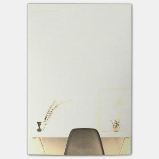 Cadeira minimalista do ouro da mesa de bloquinhos de notas