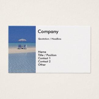 Cadeiras de praia no modelo de cartão de negócios