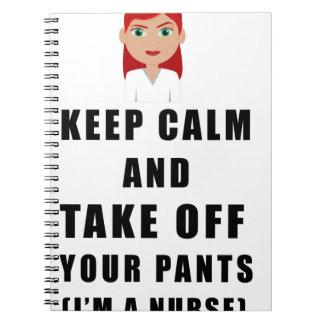 Caderno a enfermeira, descola suas calças